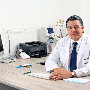 Dr. Carlos Camacho Mogrovejo